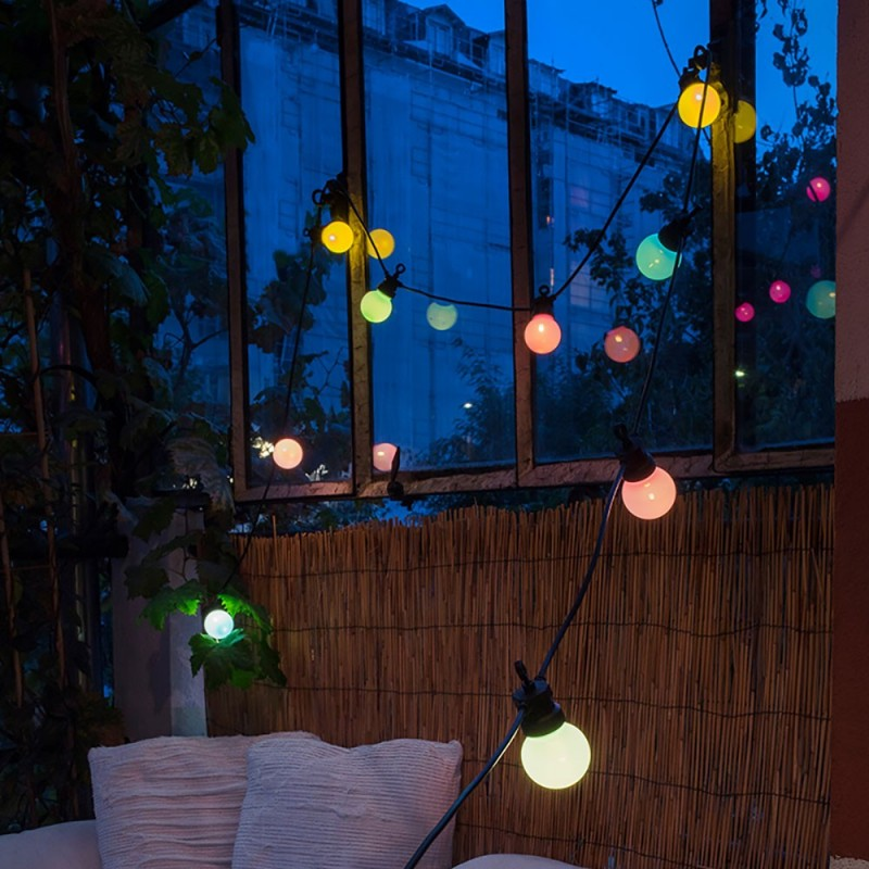 Caixa com cordão de luzes La Guinguette Maya Bay