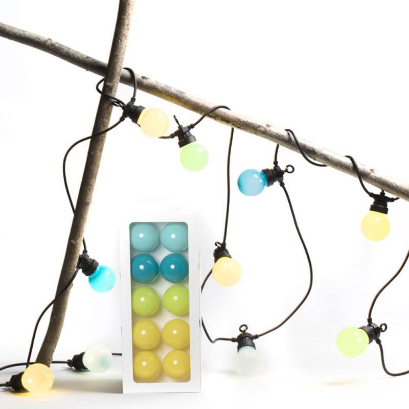 Caixa com cordão de luzes La Guinguette Tulum